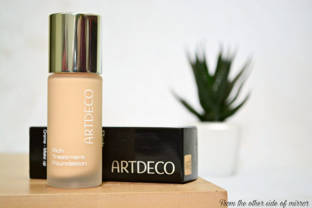 Artdeco Rich Treatment Foundation – A dream blend in a Bottle (Review)